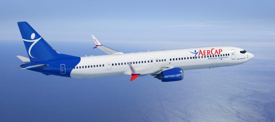Boeing wins Paris pen signing contest